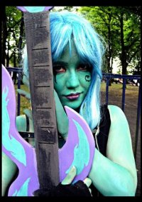 Cosplay-Cover: Ember McLain
