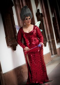 Cosplay-Cover: Fairy Godmother /Red Dress