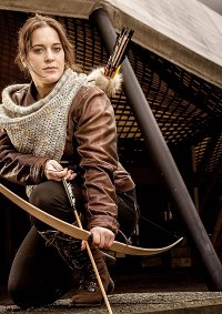 Cosplay-Cover: Katniss Everdeen (Hunt Outfit)