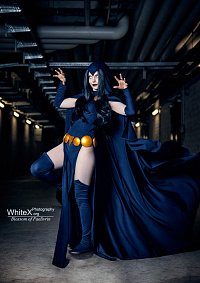 Cosplay-Cover: Raven (DC Comics)