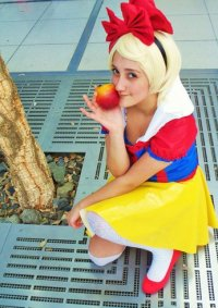 Cosplay-Cover: Nana Snow White [Orange Caramel - Aing♡ (아잉♡) PV]