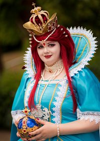 Cosplay-Cover: Queen Esther [Blue Dress]