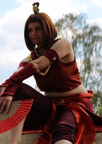 Cosplay-Cover: Suki (Firenation Outfit)