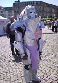 Cosplay-Cover: Alphonse Elric (Rüstung)