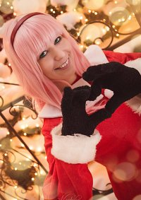 Cosplay-Cover: Luka (Christmas)