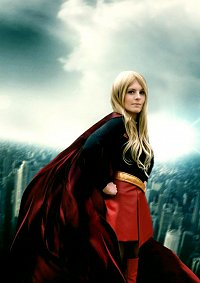 Cosplay-Cover: Supergirl (Kara Zor-El)
