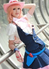 Cosplay-Cover: Sheryl Nome (cowgirl (movie))