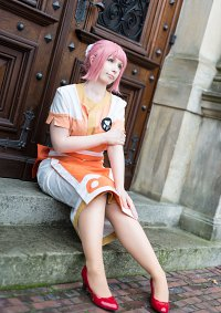 Cosplay-Cover: Estellise Sidos Heurassein (Gracious Waitress) エステ