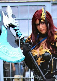 Cosplay-Cover: Aion Gladiator