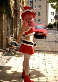 Cosplay-Cover: Meroko Yui (red dress)