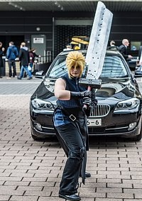 Cosplay-Cover: Cloud Strife [Advent Children]