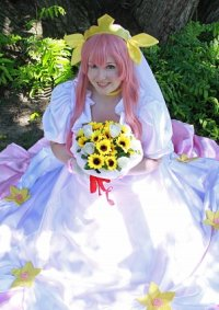 Cosplay-Cover: Wedding Peach