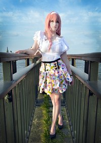 Cosplay-Cover: Megurine Luka - Floral