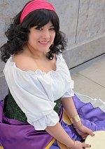 Cosplay-Cover: Esmeralda (Disney Prinzessinnen)