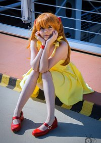 Cosplay-Cover: Asuka (gelbes Kleid 2nd Attemped)