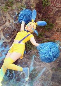 Cosplay-Cover: Minun (Cheerleader Gijinka)