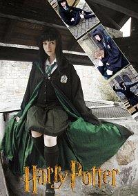 Cosplay-Cover: Pansy Parkinson (Hogwarts Schooluniform)