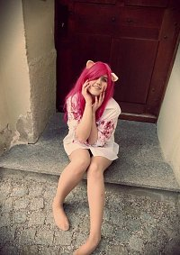 Cosplay-Cover: Lucy/Nyu - Hemd