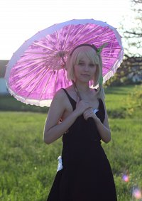 Cosplay-Cover: Edna (Sweet Girl Alt.Color)