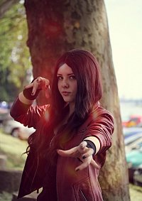 Cosplay-Cover: Wanda Maximoff (Scarlet Witch)