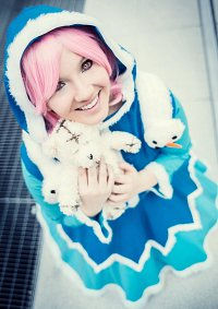 Cosplay-Cover: Annie Winterdress