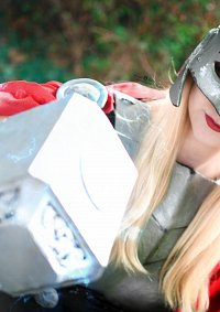 Cosplay-Cover: Lady Thor