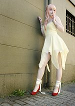 Cosplay-Cover: Sheryl Nome [gelbes kleid]