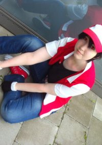 Cosplay-Cover: Pokémon Trainer Rot