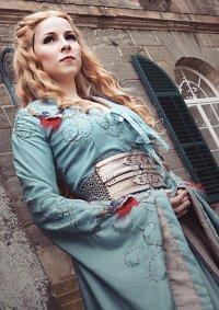 Cosplay-Cover: Cersei Lannister [Bird Dress]