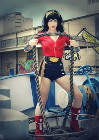 Cosplay-Cover: Wonder Woman (Bombshell)