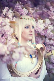 Cosplay-Cover: White Goddess Hylia