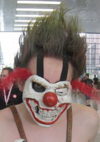Cosplay-Cover: Sweet Tooth (aus Twisted Metal: Black)