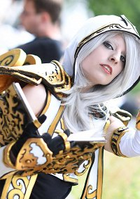 Cosplay-Cover: Sister Benedron