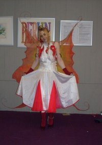 Cosplay-Cover: Feuer-Elfe