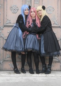 Cosplay-Cover: Toru (Grey Dress)