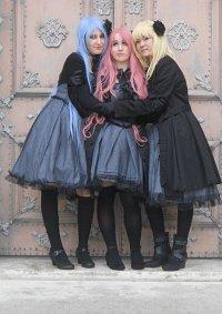 Cosplay-Cover: Toru (Grey Dress)