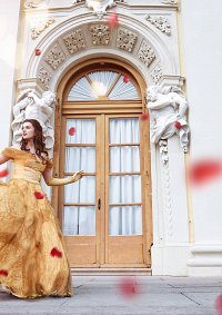 Cosplay-Cover: Belle [Ballgown]