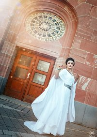 Cosplay-Cover: Prinzessin Leia (Ceremonial Gown; Episode IV)
