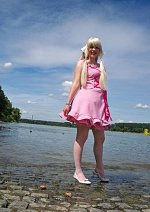 Cosplay-Cover: Chii (rosa Kleid)