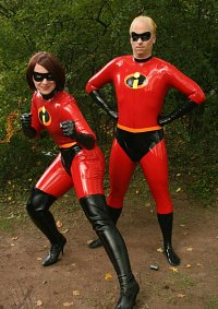 Cosplay-Cover: Mrs Incredible- Helen Parr