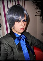 Cosplay-Cover: Ciel Phantomhive (grünes Outfit)