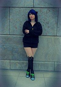 Cosplay-Cover: Marinette Chat Noir Hoodie version