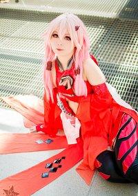 Cosplay-Cover: Inori Yuzuriha - Red Battlesuit