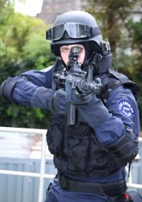 Cosplay-Cover: Los Angeles Police Department - S.W.A.T.