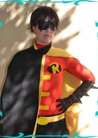 Cosplay-Cover: Tim Drake [Red Robin]