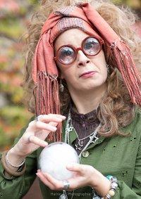 Cosplay-Cover: Professor Sibyll Trelawney
