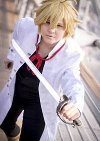 Cosplay-Cover: Meliodas [White Jacket]