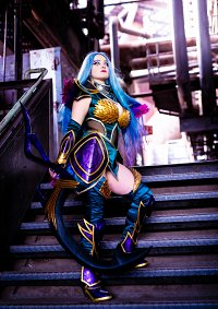 Cosplay-Cover: Dark Valkyrie Diana