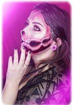 Cosplay-Cover: Neon Cranio