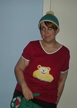 Cosplay-Cover: Eric Cartman (Wellington Bear Shirt)